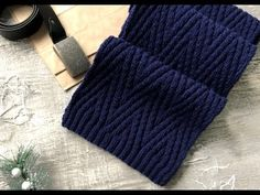 ШАРФ МУЖСКОЙ ВЫТЯНУТЫЙ ЗИГЗАГ.Очень простой узор. Подробное описание узора, расход и размеры - YouTube Knitting Videos, Knitting Charts, Knitting Patterns, Girl Face Drawing, Knit Jacket, Fingerless Gloves, Arm Warmers, Knitted Hats, Knit Crochet