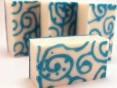Customizing soap with by piping a design on the bottom of the mold! - Sirona Springs Blog