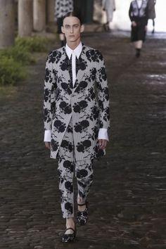 Alexander McQueen Menswear Spring Summer 2014 London via http://nwf.sh/15cEZ4E