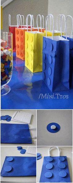 bolsa con decoraciones en 3D