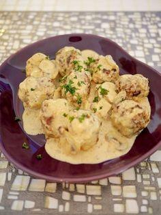 楽天が運営する楽天レシピ。ユーザーさんが投稿した「ミートボールのクリーム煮」のレシピページです。子どもと大人が喜ぶ簡単ミートボールのクリーム煮ですよ!。ミートボールのクリーム煮。合いびき肉,玉葱,パン粉,牛乳,卵,塩,ナツメグ,ブラックペッパー,パセリ みじん切り,マッシュルーム