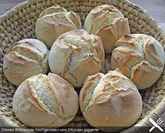 The fastest bread rolls in the world - Kochen - Homemade Bread Food Cakes, Easy Cake Recipes, Baking Recipes, Bread Recipes, German Bread, Chocolate Cake Recipe Easy, Bread Rolls, Pizza Rolls, Bread Baking