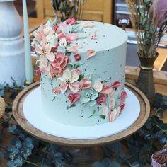 Elegant Birthday Cakes, Pretty Wedding Cakes, Creative Wedding Cakes, 18th Birthday Cake, Beautiful Birthday Cakes, Pretty Cakes, Cute Cakes, Wedding Cake Designs, Floral Wedding Cakes