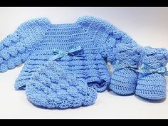 Crochet baby shoes very easy Majovel crochet Crochet Baby Clothes Boy, Crochet Baby Sandals, Baby Clothes Patterns, Booties Crochet, Baby Booties, Crochet Girls Dress Pattern, Crochet Baby Hat Patterns, Baby Patterns, Baby Summer Dresses