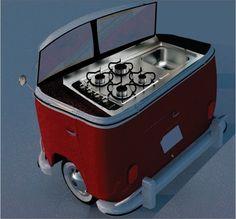 Frente da sucata de uma Kombi é transformada em fogão e pia para serem utilizadas em uma lanchonete