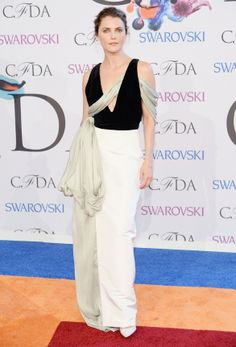 Keri Russell in a Rosie Assoulin dress at the #CFDA Awards // #CFDAAWARDS #redcarpet