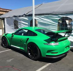 Porsche 991 GT3 RS painted in paint to sample Signal Green  Photo taken by: @ac_satco on Instagram (He is also the owner of the car)