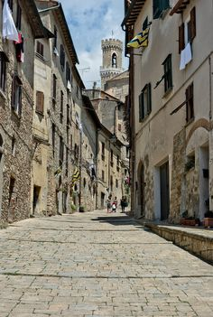 The medieval Volterra is 1 hour 30 minutes from #Collemassari estate #Tuscany