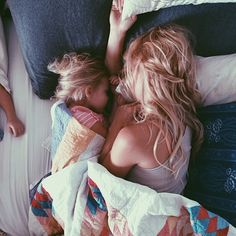 Young mother n daughter Mama Baby, Cute Kids, Cute Babies, Baby Kids, Pretty Kids, Family Goals, Family Love, Baby Family, Kind Photo
