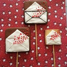 Love letter cookies saint valentine's  icing glass 14 february Galletas cartas de amor de san valentin, 14 de febrero