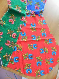 This Pin was discovered by nur Upcycle, Apron, Diy Crafts, Fur, Quilts, Embroidery, Blanket, Sewing, Crochet