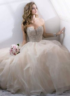 Vestido princesa com corpete brilhoso