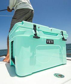 Yeti Seafoam Hard Cooler Yeti Brand, Yeti 20, Yeti Cooler, Long Island Sound, Gift Guide, Preppy, Camping, Christmas, Navidad