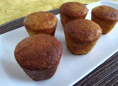 Milk muffins | Food From Portugal. Very pleasant muffins, simple and quick to prepare, confectioned ​​with milk, sugar, flour, cinnamon, eggs and lemon zest, garnished with powdered sugar. http://www.foodfromportugal.com/recipe/milk-muffins/