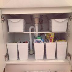 2LDKで、家族の、バス/トイレ/Daiso/洗面台下収納/洗面所 収納/洗面所/隠す派についてのインテリア実例。 (2017-02-11 23:27:38に共有されました) Kitchen Organisation, Organization, Canning, Room, Kitchen Organization, Getting Organized, Bedroom, Organisation, Tejidos