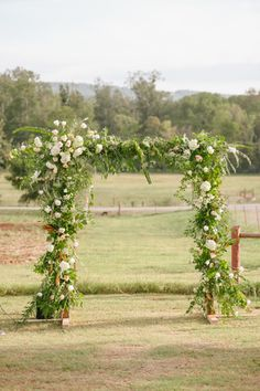 Jessica Zimmerman | Zimmerman Events | zimmermanevents.com | Jenni + Kevin | KB McElmurry Photography   #jessicazimmerman #zimmermanevents #ceremony #arch #arbor #foraged #weddingflowers #floraldesign #florist