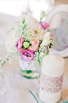 Composition florale bougie