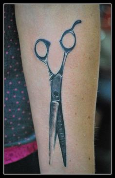 Scissors Tattoo, remind myself to cut ties with those who drag me down with drama and negativity. Small Couple Tattoos, Small Heart Tattoos, Tattoos For Women Small, Irish Tattoos, Mom Tattoos, Hand Tattoos, Shear Tattoos, Tatoos, Latest Tattoo Design
