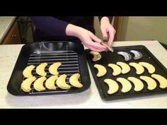 Griddle Pan, Food And Drink, Cookies, Crack Crackers, Grill Pan, Biscuits, Cookie Recipes, Cookie, Biscuit