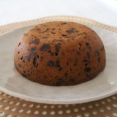 Our Steamed Thermomix Christmas Pudding is perfect for your Christmas Day table! This Steamed Christmas Pudding can be made in advance and is freezer friend Xmas Food, Christmas Cooking, Christmas Recipes, Christmas Cakes, Christmas Christmas, Holiday Recipes, Xmas Pudding, Christmas Pudding, Baking Recipes