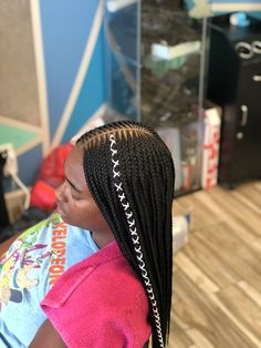 We found simple and elaborate tribal braid hairstyles to inspire your next look. Traditional and modern tribal braids inspirations. Feed In Braids Hairstyles, Faux Locs Hairstyles, Black Girl Braids, Braided Hairstyles For Black Women, Braids For Black Hair, Girls Braids, Unique Hairstyles, Fancy Braids, Braids With Curls