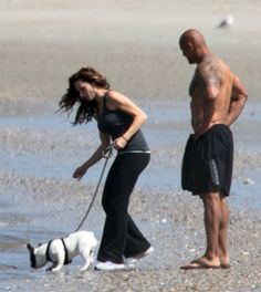 Pin for Later: Puppy Love! Dwayne Johnson Takes a Stroll on the Beach With His Girlfriend and Dog