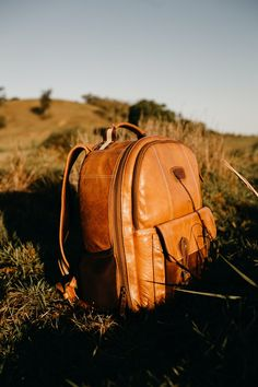 1000+ Interesting Leather Backpack Photos · Pexels · Free Stock Photos Popular Backpacks, Stylish Backpacks, Brown Leather Backpack, Leather Bag, 3rd Wedding Anniversary Gift Ideas, Carry On Packing, Packing Lists, Travel Packing, Travel Tips