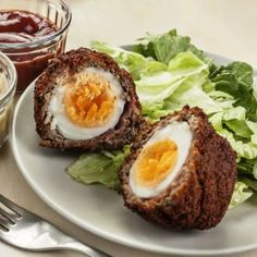 Scotch Eggs, They are hard-boiled eggs, wrapped in sausage, covered in breadcrumbs and deep fried. Recipe Master, Scotch Eggs, Indian Food Recipes, Ethnic Recipes, Boiled Eggs, Hard Boiled, Avocado Egg, Egg Free, Entrees