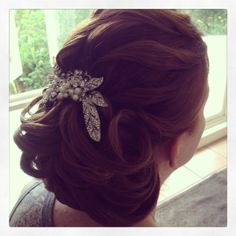 #bridalhair #weddinghair #detailedbun #bridalcomb #bigbridalhair #mobilehairstylist #Brisbane #sunshinecoast #Goldcoast enquire today for wedding hair and makeup www.harpier.com