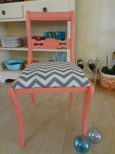 Lovely Coral Chair Lightly Distressed Van LovefortheBrush Op Etsy, $55.00