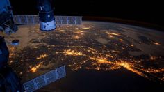 NASA astronaut films breathtaking view of the night sky from the ISS   Blastr