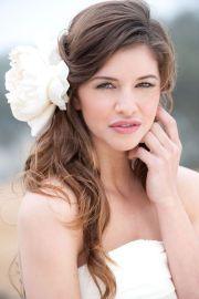 loose hair for a seaside wedding