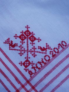 Theedoekn borduren van AH Cross Stitch Samplers, Cross Stitch Flowers, Knitting Patterns, Weaving, Quilts, Embroidery, Crochet, Diy, Inspiration