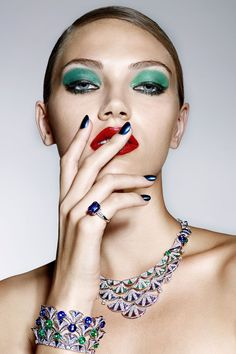 bulgari divas 39 dream high jewelry the season Eye Jewelry, Jewelry Model, High Jewelry, Glamour, Bvlgari Necklace, Dior Lipstick, Jewelry Editorial, Look Into My Eyes, Jewelry Photography