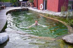 Schwimmteich in Deutschland auf engstem Raum