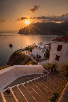 Χαράματα στη Σκόπελο ~ Sunrise in Skopelos islandAntonios Pantsas photography