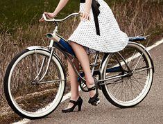 img-hp-main---girls-on-bikes_161423699204