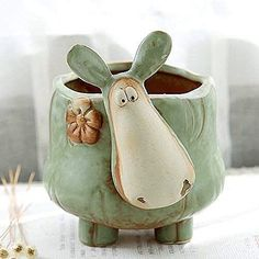 This particular pottery handmade is a really inspiring and perfect idea Pottery Animals, Ceramic Animals, Ceramic Art, Pottery Patterns, Pottery Designs, Slab Pottery, Pottery Bowls, Ceramic Pottery, Ceramic Sculpture Figurative