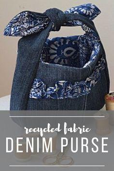 Recycled Denim Purse with Cricut and Simplicity – Chambray Blues – Handwerk und Basteln Diy Denim Purse, Diy Purse, Denim Bag, Sewing Blogs, Easy Sewing Projects, Sewing Tutorials, Recycled Denim, Recycled Fabric, Cricut