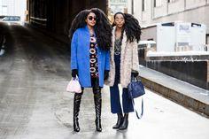 De olho nas ruas, o FFW seleciona os melhores looks do street style desta NYFW.