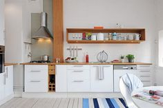17 Ideas Tiny House Kitchen And Small Kitchen Designs Of Inspirations Countertops, Kitchen Cabinets, New Kitchen, Simple Kitchen Design, Home Kitchens, Tiny House Kitchen, Diy Countertops, Swedish Kitchen, Kitchen Cabinets Pictures