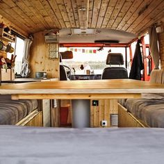 I'm a wood fan! You can find the whole roomtour on YouTube.  #OrangeVanTrip #vanlife #vanconversion