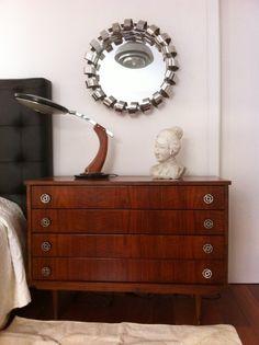 cómoda,espejo y lámpara vintage