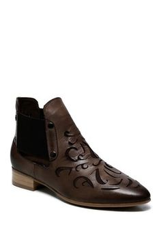 Abba Flat Heel Ankle Leather Boots