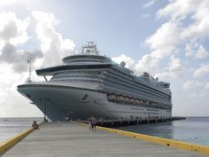 Ruby Princess profile and information, including links to dozens of photos of the Ruby Princess