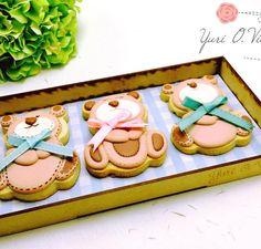 Aprende con Yuri O Villela el arte de hacer galletas decoradas aquí, conoce las mejores técnicas para aplicar royal icing y lograr un brillo inigualable.