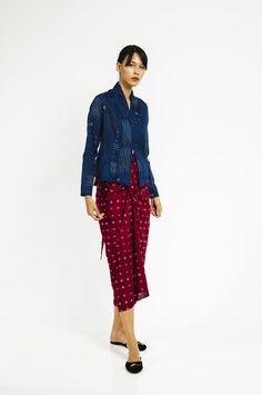 Batik Fashion, Ethnic Fashion, Hijab Fashion, Fasion, Womens Fashion, Model Dress Batik, Batik Dress, Batik Kebaya, Kebaya Dress