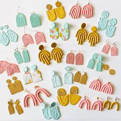 Polymer Clay Crafts, Handmade Polymer Clay, Polymer Clay Jewelry, Clay Beads, Diy Clay Earrings, How To Make Earrings, Earrings Handmade, Friendship Gifts, Clay Projects