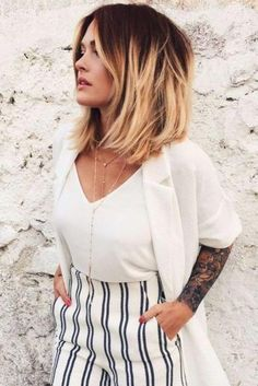 Superb Medium Length Hairstyles For An Amazing Look ★ See more: https://glaminati.com/medium-length-hairstyles-long-thick-hair/