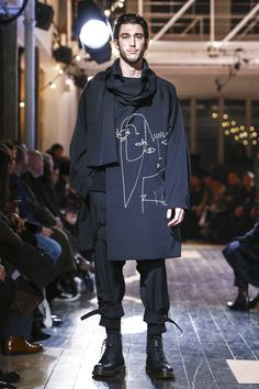 Yohji Yamamoto Fashion Show Menswear Collection Fall Winter 2016 in Paris